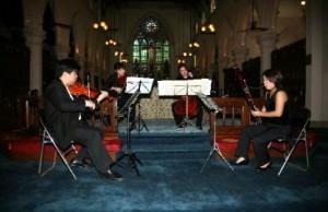 本團成員於聖若瑟堂演出